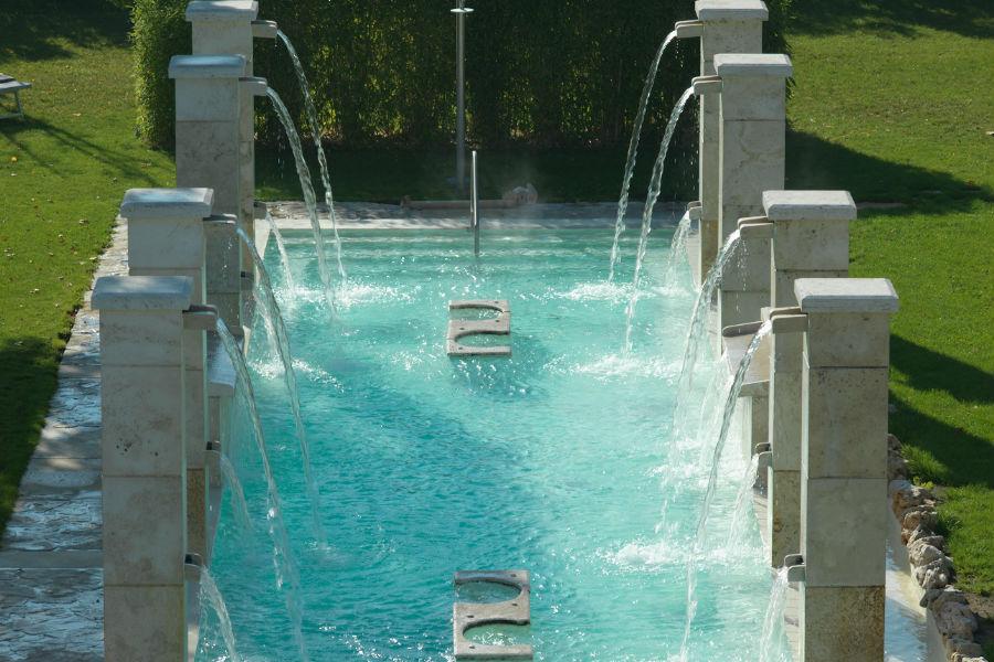 Terme Salus Hotel - Viterbo: Particolari delle piscine termali esterne