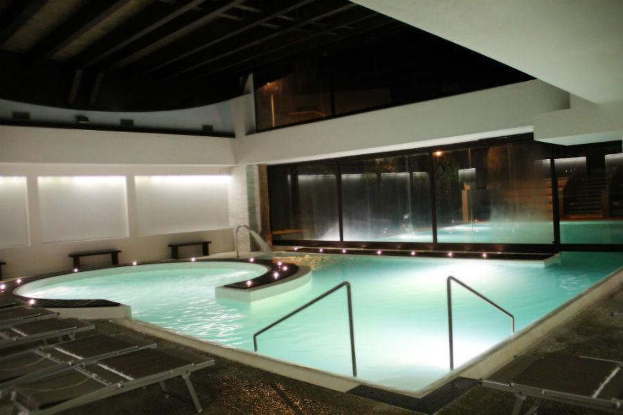 Terme Salus Hotel - Viterbo: Piscina termale interna