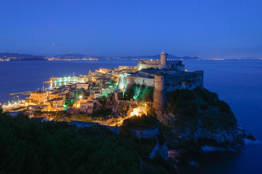 Viaggio in Italia nelle terre di Ulisse - Veduta di Gaeta (Cajeta)