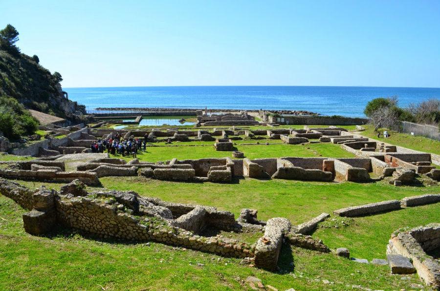 Viaggio in Italia nelle terre di Ulisse - Area archeologica della villa di Tiberio a Sperlonga