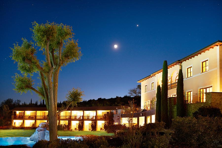 Adler Thermae Spa & Relax Resort : Veduta notturna di una porzione dell'Hotel