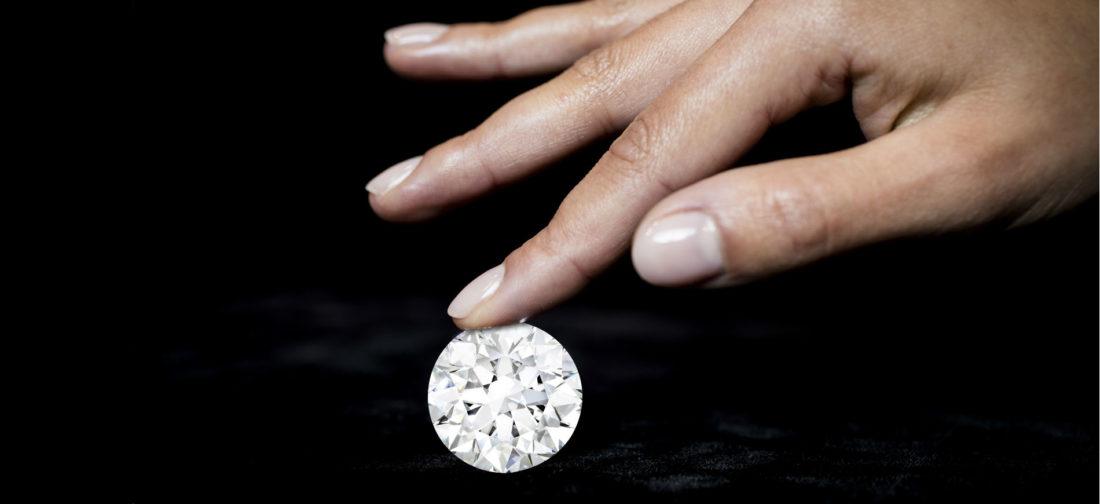 Sotheby's Diamonds – diamante di 102.34-carati, colore D Flawless Tipo IIa