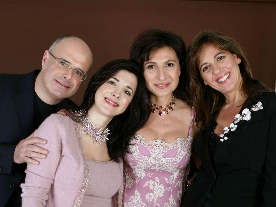 Chantecler: Maria Elena, Costanza e Gabriele con la moglie Teresa.