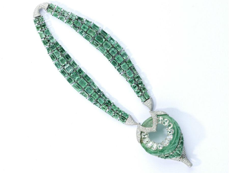 Glenn Spiro – Alta gioielleria – Archers - Bracciale con 94 smeraldi taglio smeraldo (67.21 cts), diamanti (6.09 cts), smeraldo ( provenienza Colombia 85.45 cts), diamanti taglio ovale.