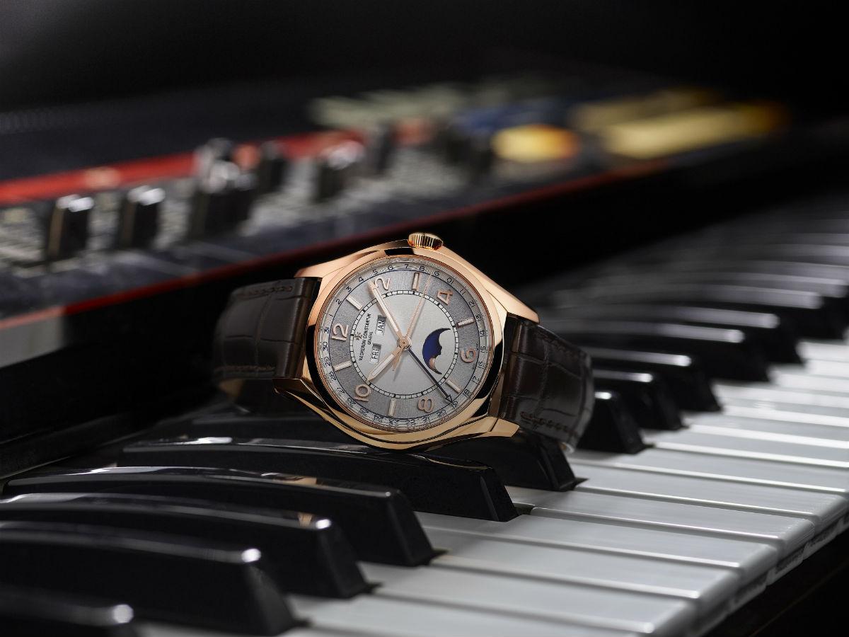 Alta Orologeria Vacheron Constantin - SIHH 2018: immagine di orologio sopra a tasti di pianoforte