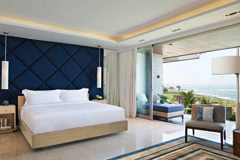 Como Uma Canggu, resort esclusivo a Bali: un dettaglio della camera con terrazzo sull'oceano