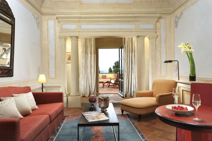 Il Castello del Nero & Spa in Tavernelle Val di Pesa presso Firenze: salottino con terrazza