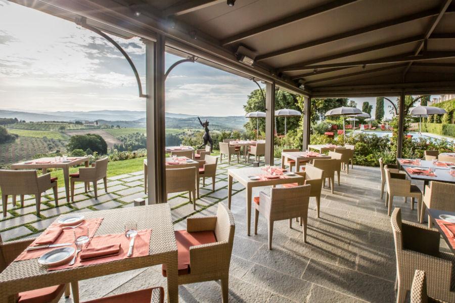 Il Castello del Nero & Spa in Tavernelle Val di Pesa presso Firenze: ristorante esterno