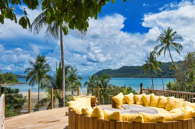 Soneva Kiri - luxury resort in Thailandia: area relax sul mare