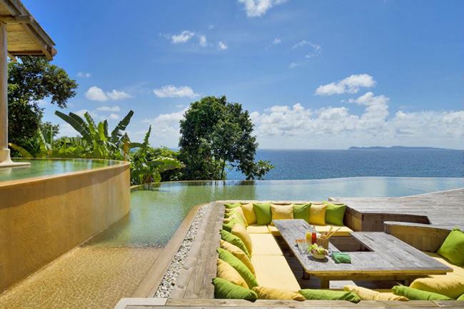 Soneva Kiri - luxury resort in Thailandia: salottino esterno sul mare