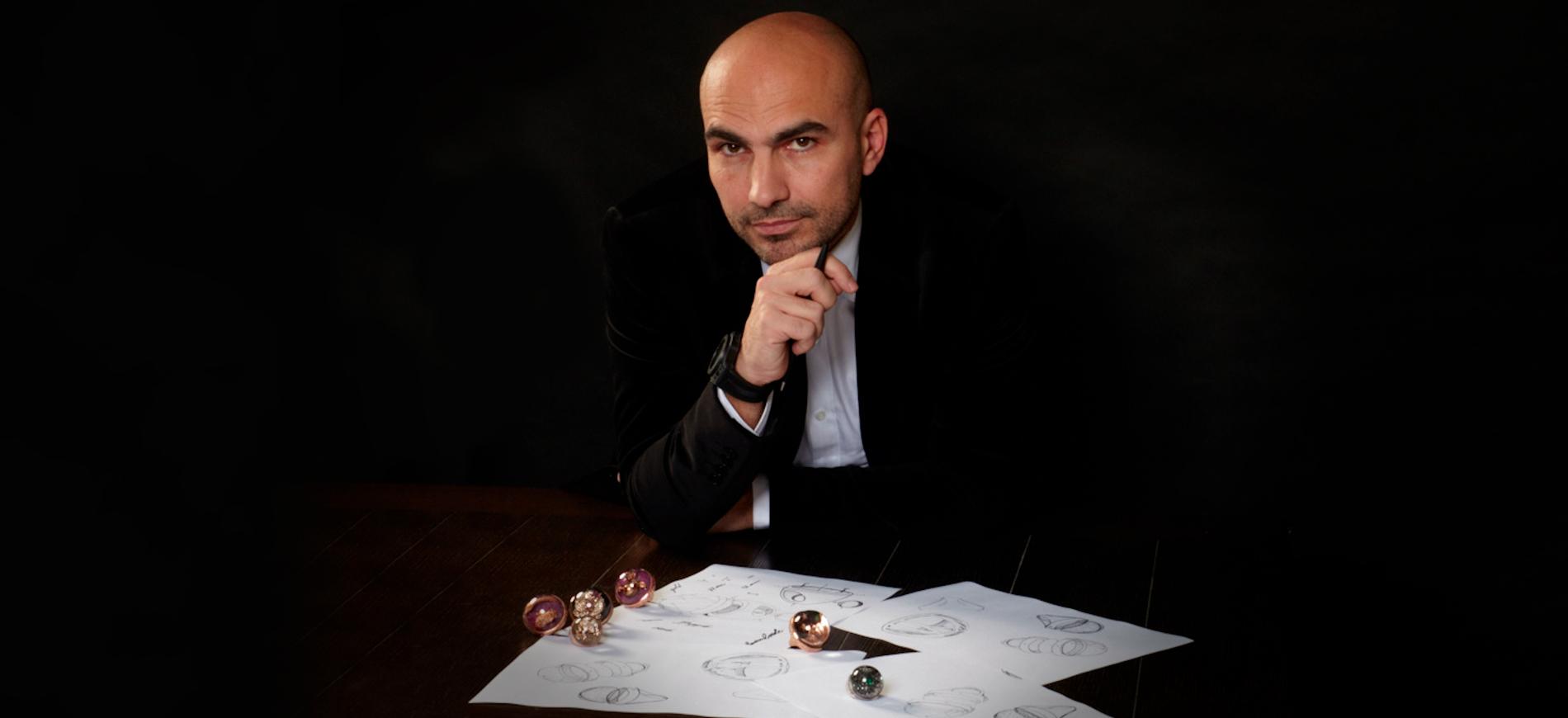 Baselworld 2018: ritratto di Beniamino Crocco con bozzetti e anelli finiti Dreamboule - Nerone, Milano