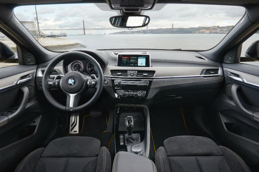 BMW X2: immagine degli interni