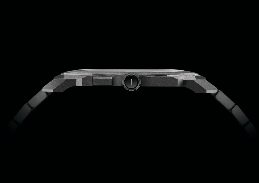 Una prospettiva laterale dell'Octo Finissimo Tourbillon Automatico che mette in evidenza il suo spessore ridotto: solamente 3,95 mm.