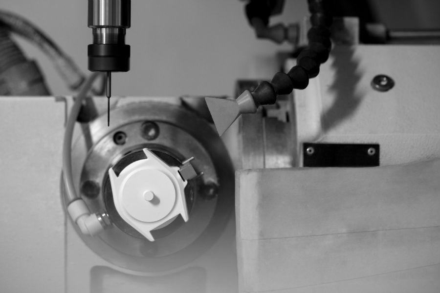 Manifattura orologiera Chanel - G&F Châtelain, La Chaux-De-Fonds, Svizzera: fasi di lavorazione J12