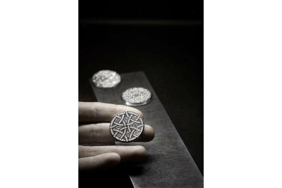 Manifattura orologiera Chanel - G&F Châtelain, La Chaux-De-Fonds, Svizzera: particolare del Chanel Mademoiselle Privé Decoro Aubazine