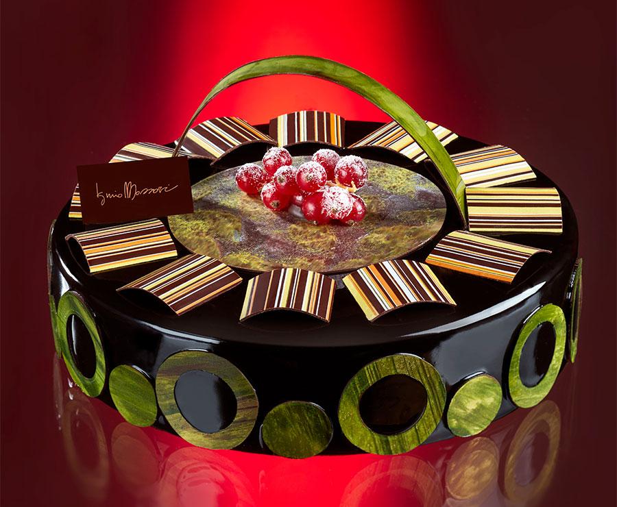 Iginio Massari - Il genio dell'alta pasticceria italiana: nell'immagine la Torta Elvetia - Dolce in onore della Svizzera che, nell'immaginario collettivo degli italiani, è la patria del cioccolato.