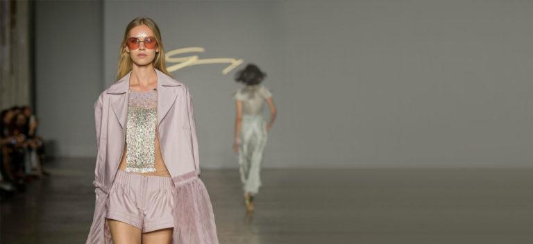Platinum, la nuova fragranza firmata Genny - The Ducker intervista Sara Cavazza Facchini: nell'immagine un modello del brand