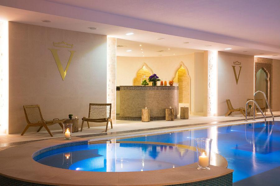 L'Auberge du Jeu de Paume Relais & Chateaux - piscina SPA