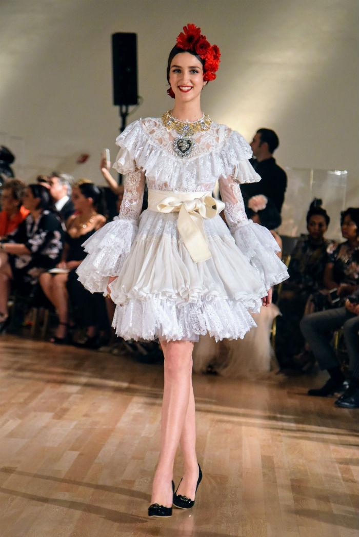 Dolce&Gabbana Alta Moda e Alta Sartorialità. Credits Luke Leitch: modella durante la sfilata