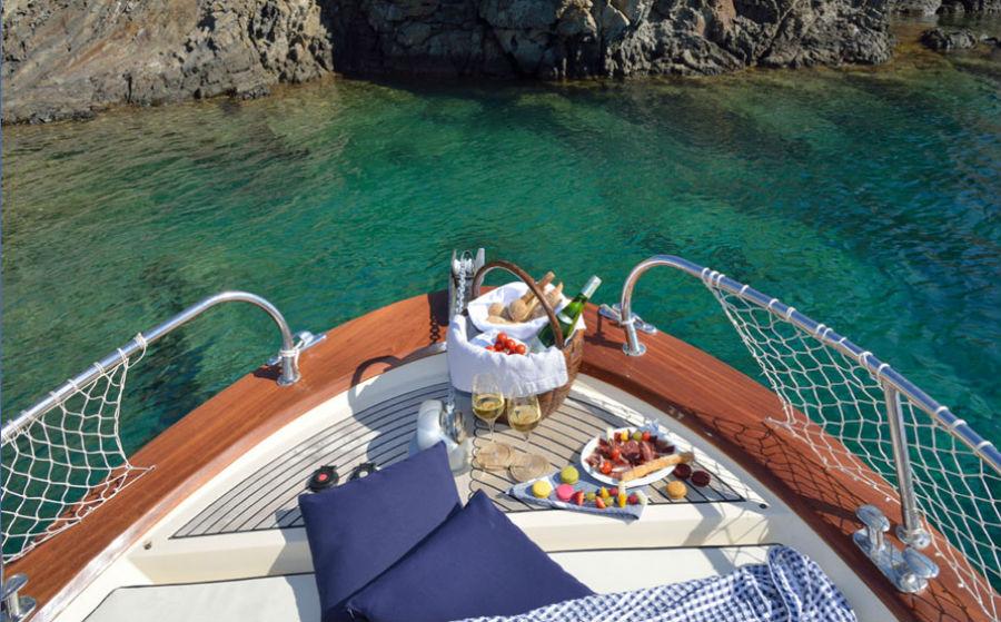 L'Hotel Calma Blanca, Cadaqués - Spagna: escursioni in barca