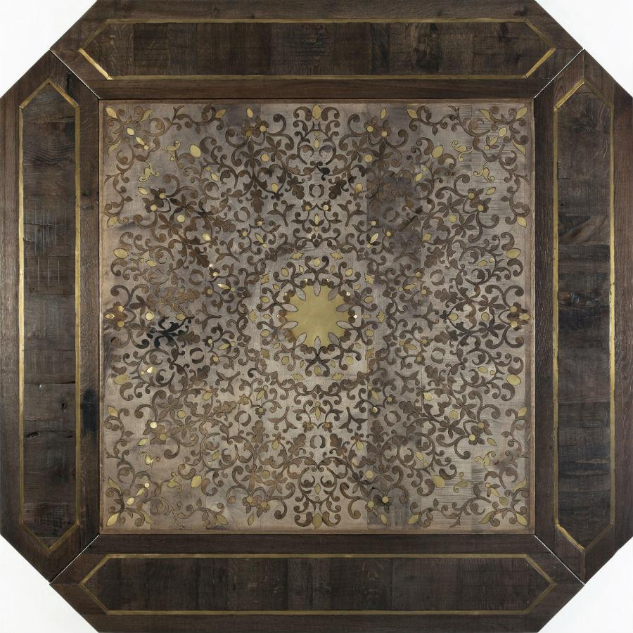 """Modello """"Pitti"""", in legno rovere antico di recupero, noce, acero e ottone: omaggio a Firenze e al grande saper fare dei suoi maestri d'arte nella storia e fino a noi."""