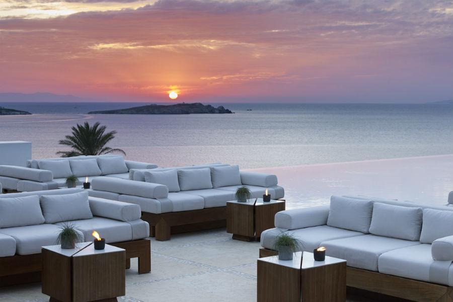 Bill & Coo Hotel - Mykonos: lounge bar con vista sul mare