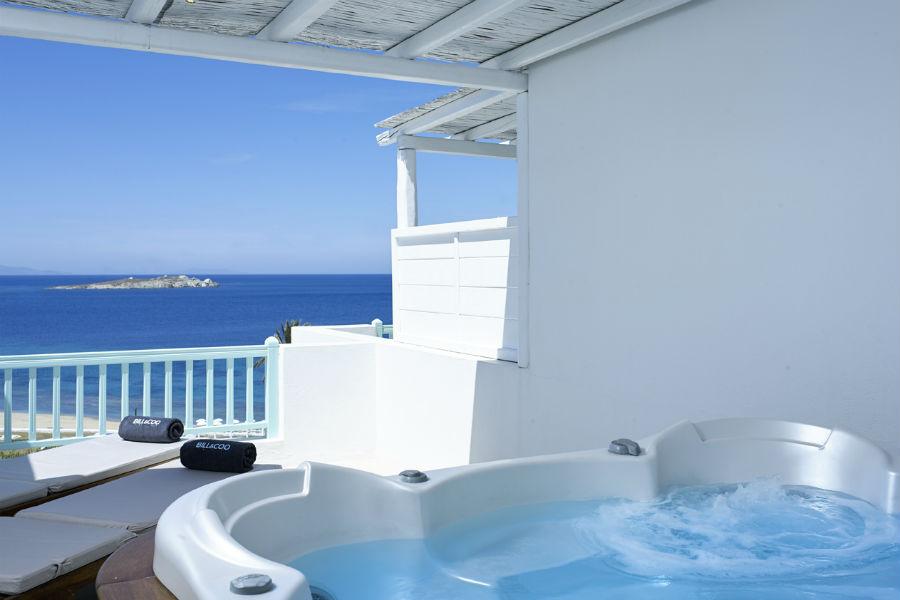 Bill & Coo Hotel - Mykonos: terrazza con vasca idromassaggio