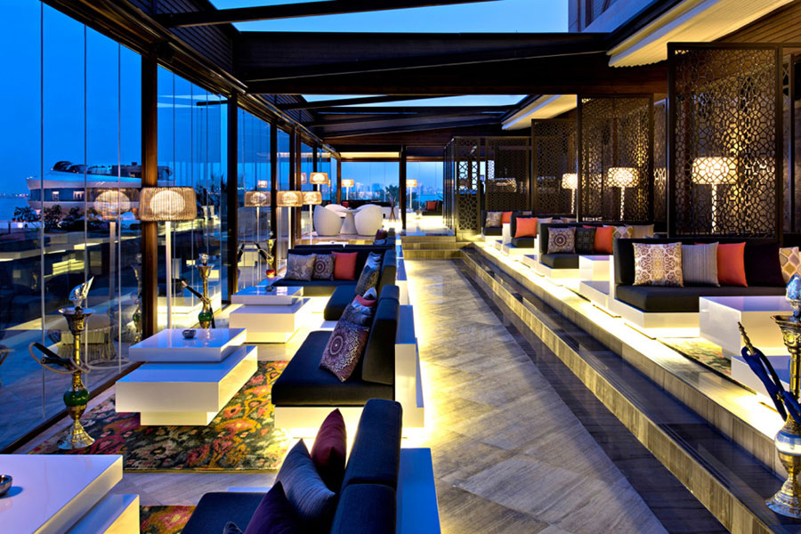 Landaa Giraavaru Four Seasons Resorts: lounge bar sull'oceano