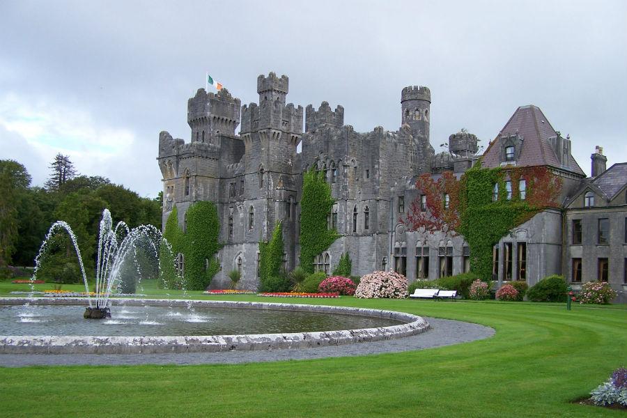 Ashford Castle Hotel in Irlanda: esterno