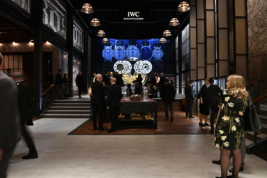 Baselworld 2019 e Sihh 2019 - anticipazioni: Un'immagine di uno degli stand dell'edizione 2018 del SIHH. Autentici palazzi del lusso, residenze private dei brand che vi prendono parte.