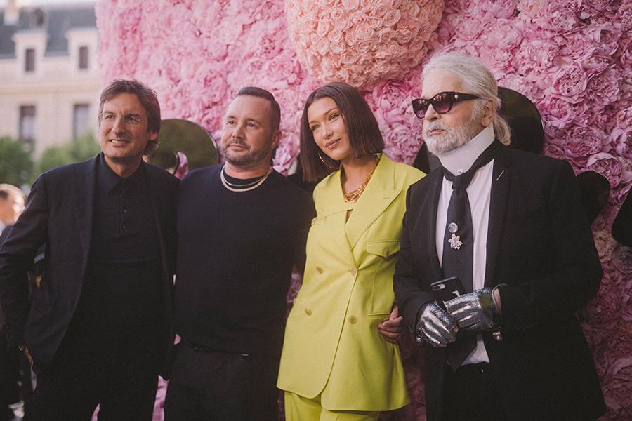 frontrow Dior Homme: Pietro Beccari,Kim Jones, Bella Hadid e Karl Lagerfeld by Virgile Guinard