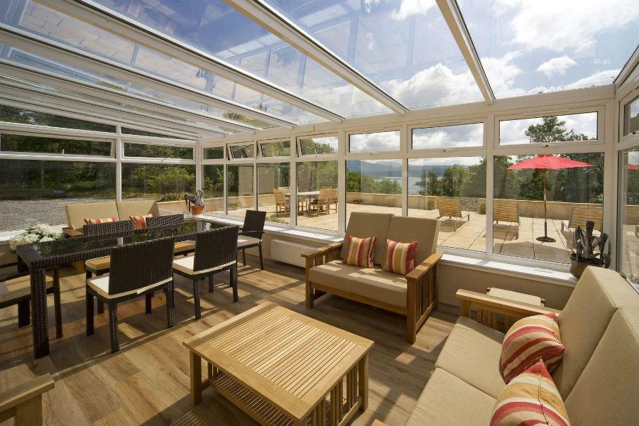 Isle of Eriska Hotel, Spa & Island - Scozia: terrazza coperta vista piscina