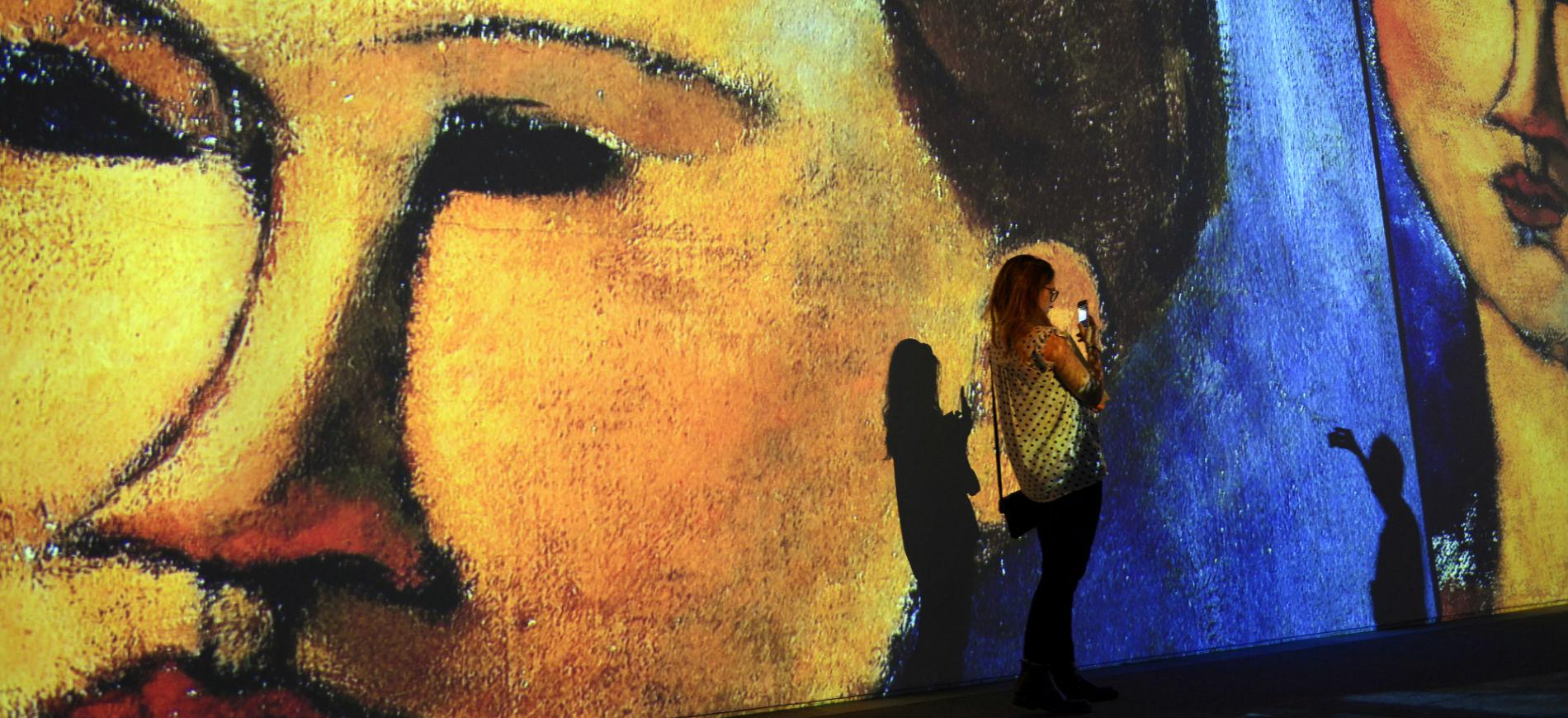 Allestimento interno della mostra di Amedeo Modigliani presso il MUDEC di Milano