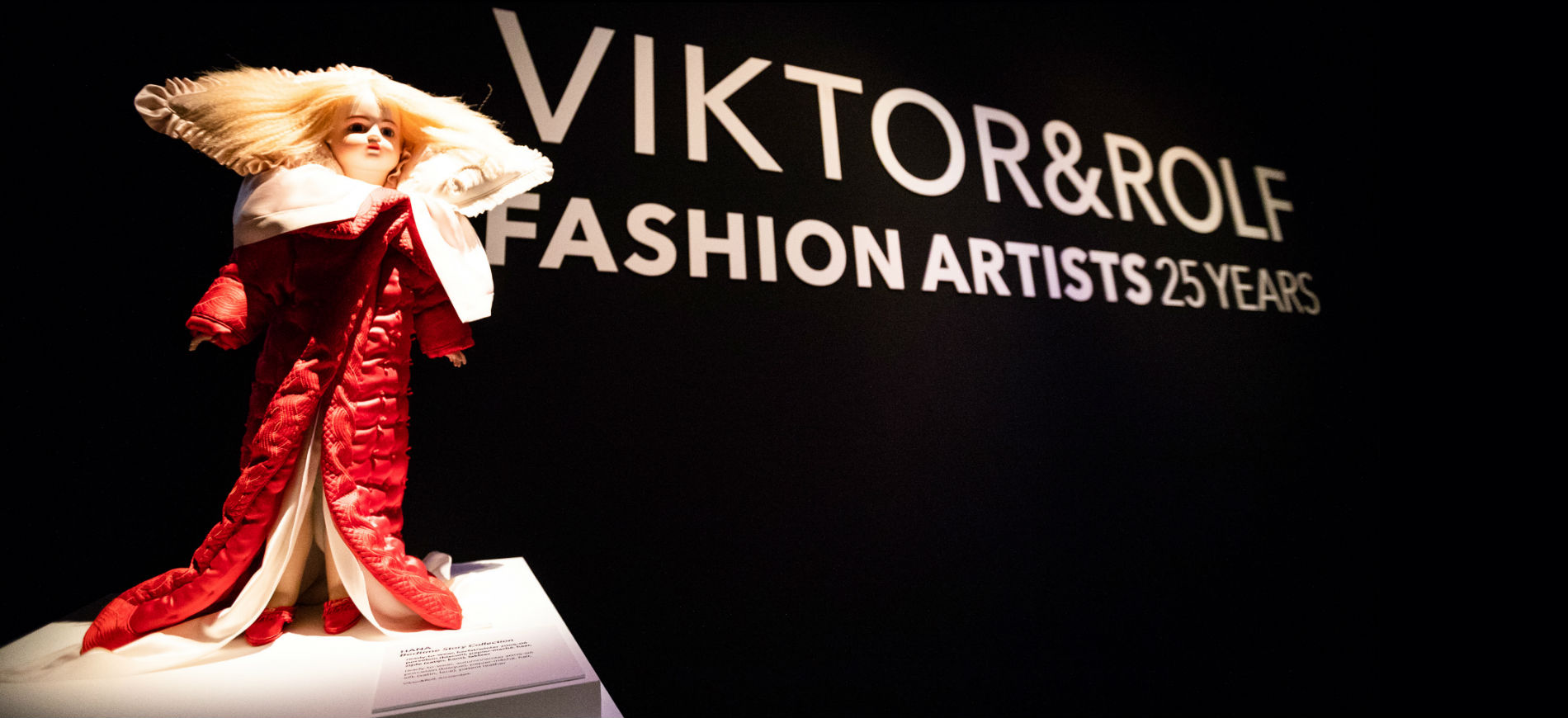 Allestimento mostra Viktor&Rolf: Fashion Artists 25 Years