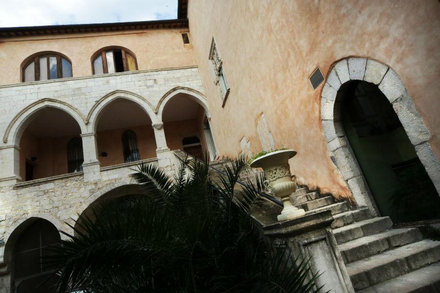 Palazzo Caetani – corte interna