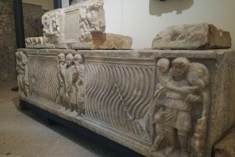 Antichi monumenti romani conservati nel Museo Civico Archeologico del Castello Caetani