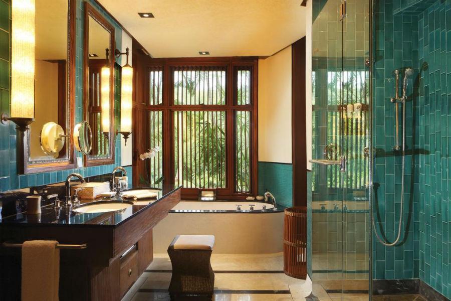 Bagno della Suite del Four Seasons Sayan Resort di Bali