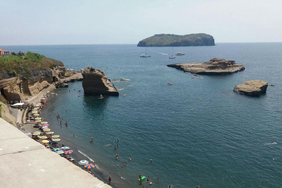 Ventotene: scorci dell'isola