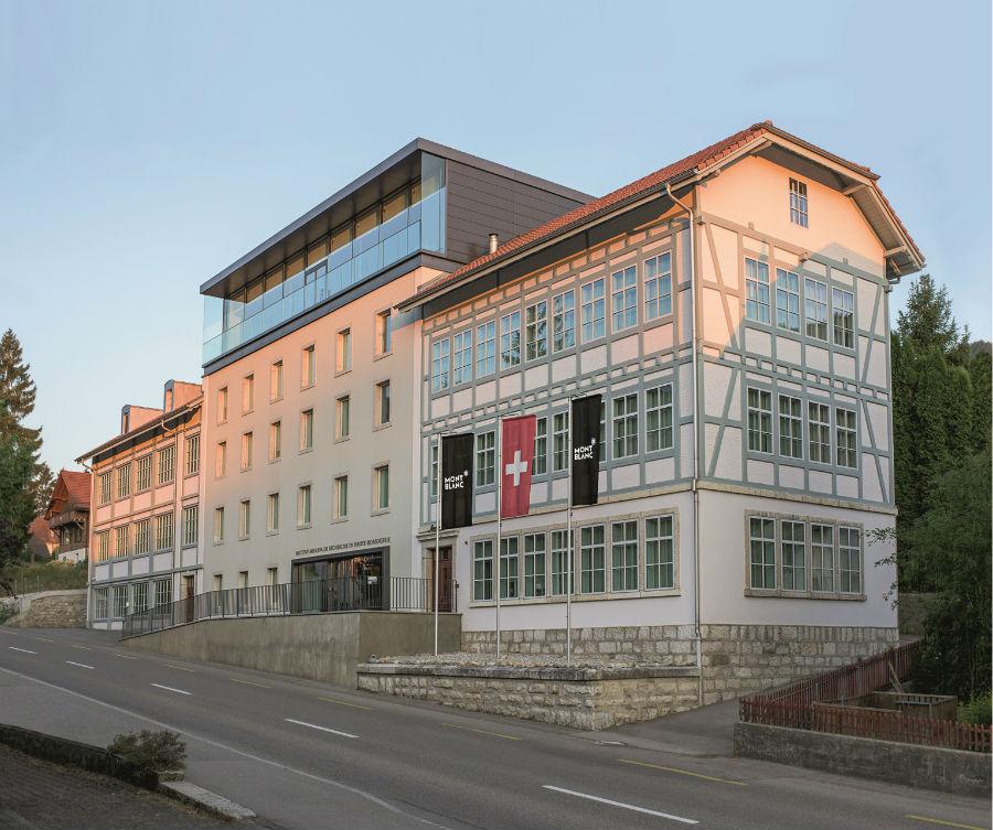 Un'immagine della manifattura Montblanc di Villeret, oggi proprio laddove risiedeva un tempo la storica sede di Minerva. Uno dei due poli produttivi di una marca che può contare anche sull'importante e altrettanto storico presidio di Le Locle.