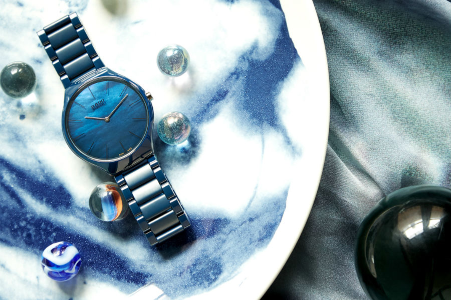 Rado True Thinline Nature Collection blu, un inno alla natura. A partire dal cielo fino al mare.