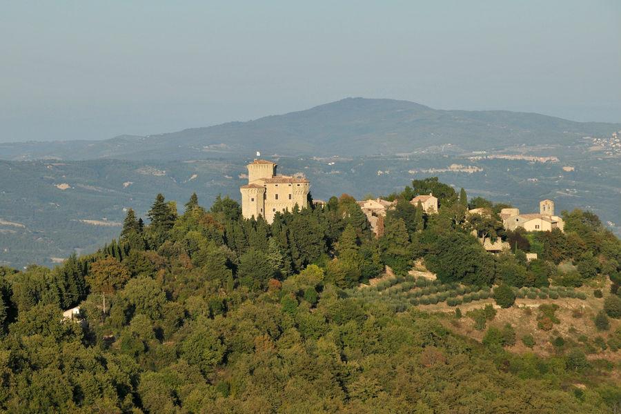 Borgo Castello di Fighine - panoramica di tutto il borgo