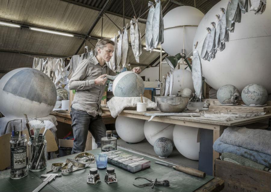 Fondazione Cini - Venezia - Homo Faber: Peter Bellerby al lavoro su una scultura