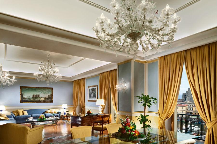 Grand Hotel Vesuvio Napoli: salotto