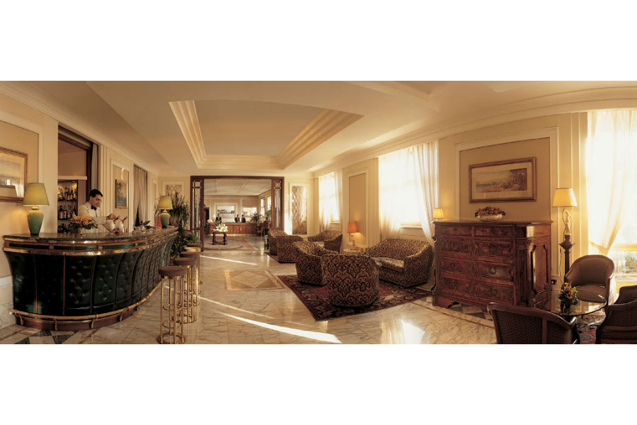 Grand Hotel Vesuvio Napoli: hall