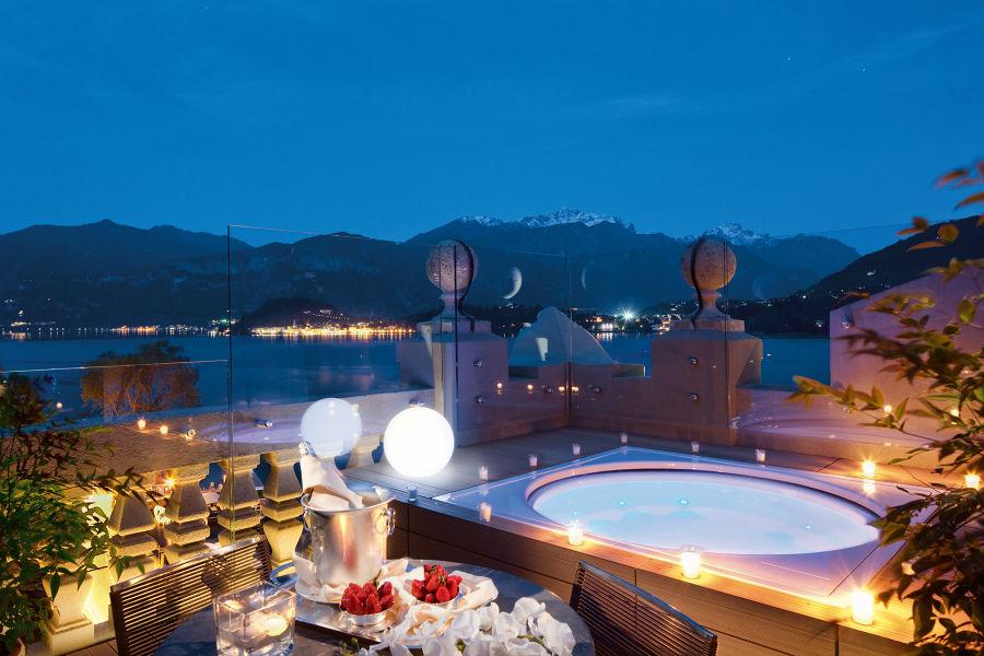 Il Grand Hotel Tremezzo sul Lago di Como: piscina privata sul terrazzo di una camera