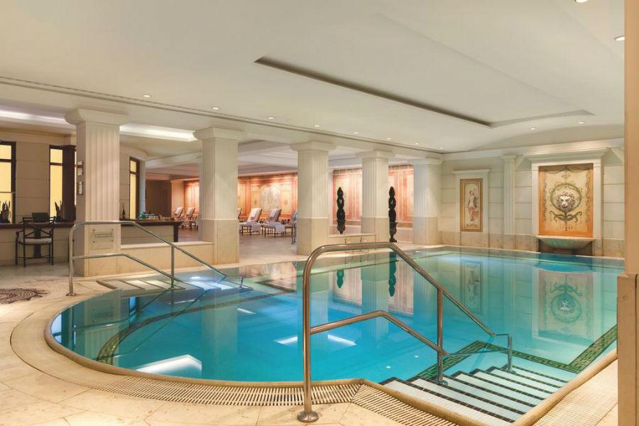 Hotel Adlon Kempinski Berlin: piscina interna