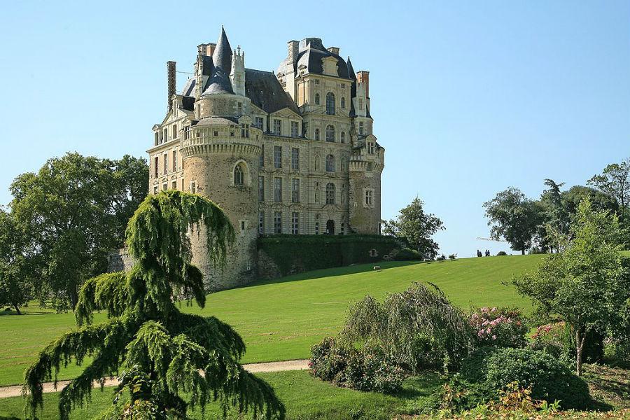 Il Castello di Brissac immerso nel suo splendido parco