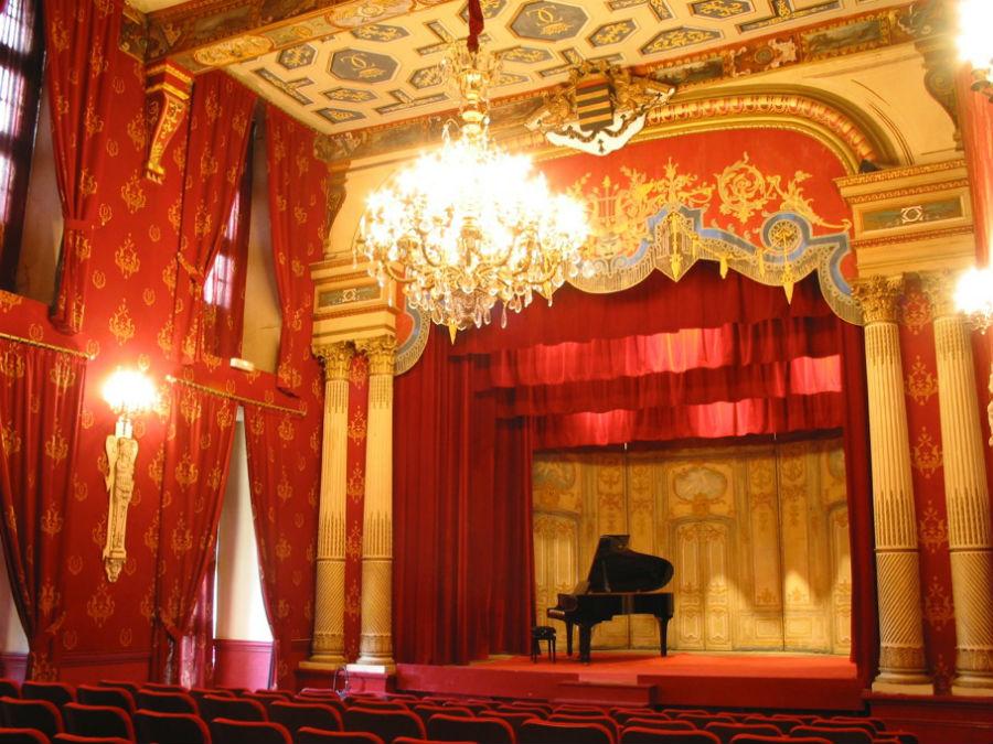 Teatro in stile Belle Époque all'interno del Castello di Brissac
