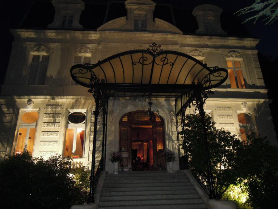 Entrata dell'hotel di Verrières