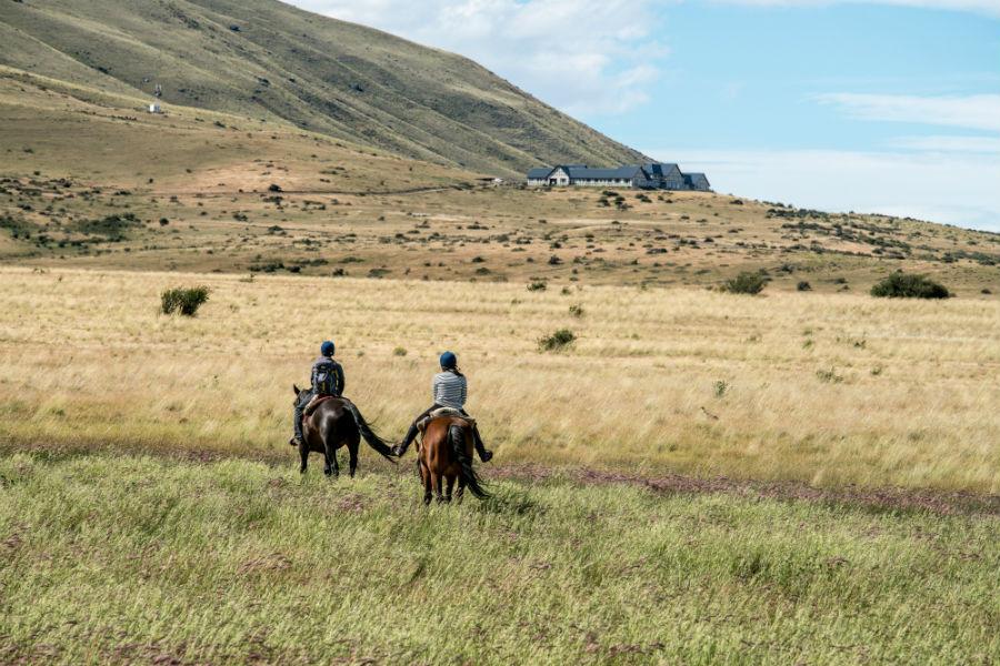 Relais & Chateaux - il resort Eolo per scoprire la Patagonia: nell'immagine, attività a cavallo